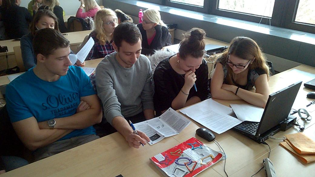 Cvičení jsme využili pro návrh nové PR skládačky pro potřeby Czech-American TV