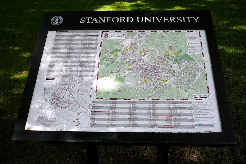 Standfordská univerzita patří do Ivy League (Břečťanové ligy). Je typickým příkladem mudrce. Podobně jako MIT.