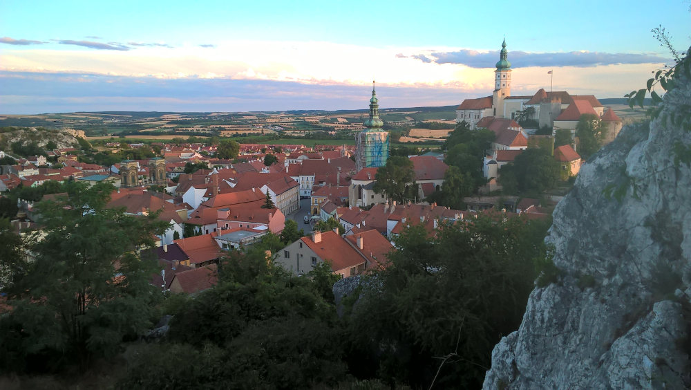 Pohled na Mikulov z vyhlídky nad městem